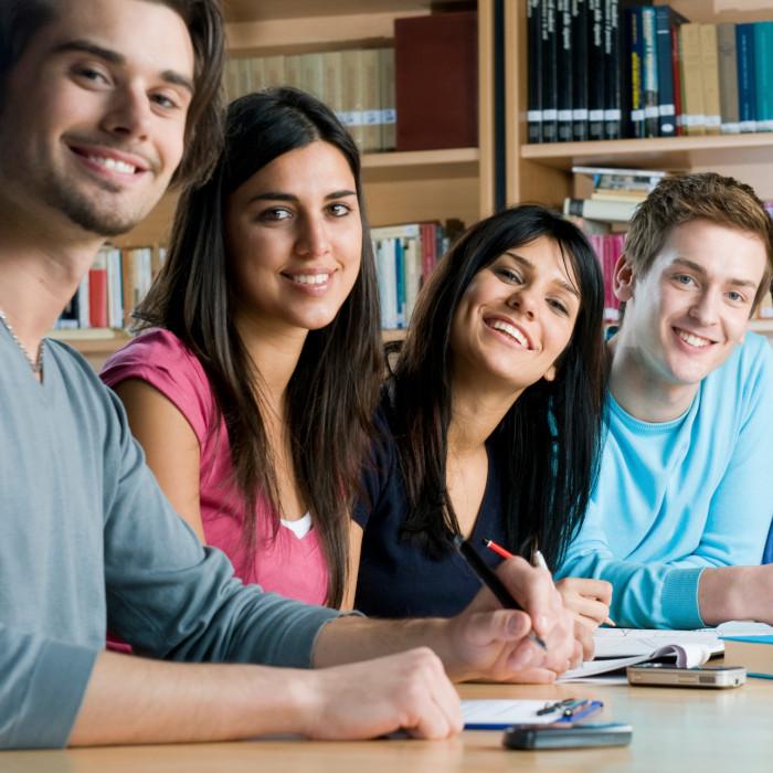 курсове и уроци по академични предмети